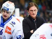 Trainer Arno Del Curto musste mit den Lions bei seinem langjährigen Klub Davos leiden (Bild: KEYSTONE/GIAN EHRENZELLER)