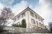 Das Nussbaumer Pfarrhaus hat schon bald einen neuen Besitzer. Die Kirchgemeindeversammlung sagte Ja zum Verkauf. (Bild: Andrea Stalder)
