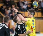 Die interne Aussprache fand ohne Spielertrainer Bo Spellerberg statt: Gegen den BSV Bern trifft der Däne viermal. (Bilder: Michel Canonica)