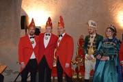Stefan Obertüfer, Patrick Galli und Robert Martinez (von links) wurden Mitglieder des Neunerrats, während das Prinzenpaar Devis Laimbacher und Corinne Bürgler für eine Woche das Zepter der Stadt übernehmen. (Bild: Gianni Amstutz)
