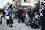 Die Wildberghexen aus Jonschwil stellen jedes Jahr zu einem (politischen) Thema eine originelle und passende Dekoration für ihre Hexenkleider her.