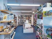 Im Wattwiler Thurshop wird das Buchsortiment mit Geschenken und Spielen ergänzt. (Bild: Sascha Erni)