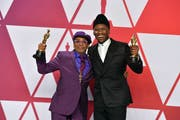 Spike Lee (links) und Mahershala Ali. (Bild: Jordan Strauss / Keystone)