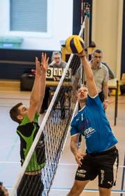 Emmen-Nord mit Nico Schmid (links) und Buochs mit Tobias Kummer stehen in den Playoff-Halbfinals. Bild: Nadia Schärli