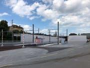 So soll die neue Haltestelle im Güterbahnhofareal aussehen. Dahinter ist der Abstellplatz für den Lösch- und Rettungszug. (Visualisierung: PD)