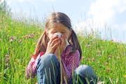 Wenn der Ausflug an die frische Luft zur Qual wird: Heuschnupfen ist zwar unangenehm, jedoch behandelbar. (Bild: fotolia)
