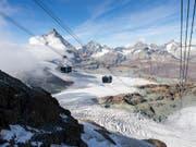Weg frei für das grenzüberschreitende Seilbahnprojekt zwischen Zermatt VS und Cervinia (I). Die Bergbahnen konnten sich mit den Landschaftsschützern einigen. (Bild: KEYSTONE/DOMINIC STEINMANN)