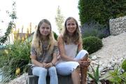 Das selbsternannte Medium Christina (links) mit ihrer Mutter Bernadette Meier. (Bild: Beat Lanzendorfer)
