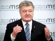 Viele Ukrainer sind enttäuscht von Präsident Petro Poroschenko. Sie werfen ihm vor, die weit verbreitete Korruption nicht beendet zu haben. (Bild: KEYSTONE/EPA/RONALD WITTEK)