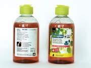 Diese Musterflaschen des Abwaschmittels hat Coop am Mittwoch verteilt. Das Unternehmen warnt, Kinder könnten es trinken. (Bild: Coop)