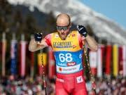 Bei hohen Temperaturen zum ersten Einzelgold: der Norweger Martin Johnsrud Sundby (Bild: KEYSTONE/EPA/SRDJAN SUKI)