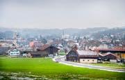 So präsentiert sich die Aussicht aufs Dorf vom Ruggenbühl her. (Bild: Andrea Stalder)