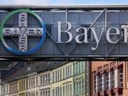 Die Klagewelle in den USA gegen den Agrarchemie- und Pharmakonzern Bayer wegen des Unkrautvernichtungsmittels Glyphosat reisst nicht ab: Es wurden Klagen von rund 11'200 Klägern zugestellt. (Bild: KEYSTONE/EPA DPA/OLIVER BERG)