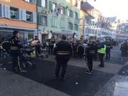 Die Guuggenmusig Wegere Güsser schränzt in Willisau. (Bild: Roger Rüegger)