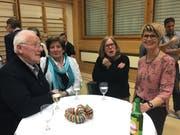 Elisabeth Hollenstein (rechts) vom Gewerbeverein organisierte den Anlass. (Bild: Urs Nobel)