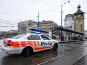 Wegen Tempoexzess auf Verfolgungsjagd: In Genf ist ein Polizist zu einer bedingten Gefängnisstrafe von einem Jahr verurteilt worden. (Bild: Keystone/MARTIAL TREZZINI)
