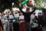 Algerische Studenten protestieren auf einem Uni-Campus. (Bild: Mohamed Messara/EPA, Algier, 26. Februar 2019)