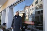 Guido Etterlin hat das Lokal an der Mariabergstrasse 9 gemietet. Für seinen Wahlkampf will er dort die Bevölkerung zum Dialog treffen und auch für drängende Themen sensibilisieren. (Bild: Jolanda Riedener)