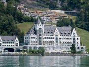 Sternenglück für das Park-Hotel Vitznau: Patrick Mahler und sein Team vom Restaurant «focus» schaffen auf Anhieb den Sprung in die Zwei-Sterne-Liga. (Bild: Urs Flüeler/Keystone)