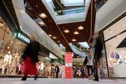 In der Mall of Switzerland findet die Pin-Tombola des LFK statt (Bild: PD)