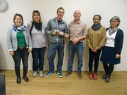 Extrembergsteiger Dani Arnold (Dritter von links) besucht den Vorstand der IG Erwachsenensport Uri und erzählt von seinen Erfahrungen. (Bild: PD)