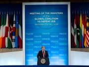 US-Präsident Donald Trump rechnet bald mit einer vollständigen Rückeroberung des von der Terrormiliz IS gehaltenen Geländes in Syrien und dem Irak. (Bild: KEYSTONE/EPA/ERIK S. LESSER)