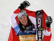 Wendy Holdener - auf ihrer Startnummer ist es zu lesen: World Champion (Bild: KEYSTONE/EPA/VALDRIN XHEMAJ)