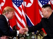 Obwohl die beiden Länder inhaltlich nicht weitergekommen sind, haben US-Präsident Donald Trump und Nordkoreas Machthaber Kim Jong Un nach dem Gipfel nette Worte füreinander übrig. (Bild: KEYSTONE/AP/EVAN VUCCI)