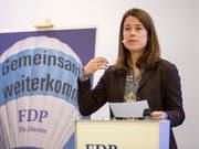 Nimmt den Parteimitgliedern den Klima-Puls: FDP-Präsidentin Petra Gössi, hier beim Wahlkampfauftakt in Schachen AG. (Bild: KEYSTONE/URS FLUEELER)