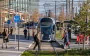 Eine Tramlinie im Zentrum Luxemburgs. (Bild: Julien Warnand/EPA, 11. Dezember 2018)