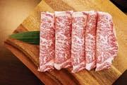 Auf den ersten Blick gewöhnungsbedürftiges Aussehen, im Geschmack ausserordentlich, in keiner Hinsicht alltäglich: Fleisch vom Wagyu-Rind. (Bild: Getty)