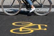 Radweg-Markierung. (Bild: Key/Alexandra Wey)