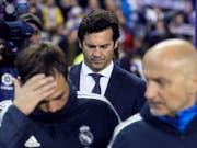 Trotz des Sieges gegen Valladolid befindet sich Real Madrid und Trainer Santiago Solari weiterhin in der Krise (Bild: KEYSTONE/EPA EFE/NACHO GALLEGO)