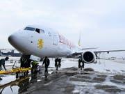 Eine Boeing 737 Max 8 der äthiopischen Fluggesellschaft Ethiopian Airlines. Eine Maschine gleichen Typs stürzte am Sonntag kurz nach dem Start ab. Alle 157 Insassen starben. (Bild: KEYSTONE/EPA/STR)