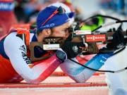 Liegend perfekt, stehend aber mit drei Fehlern: Benjamin Weger kam an der Biathlon-WM in Östersund in der Verfolgung auf den 8. Platz (Bild: KEYSTONE/AP TT News Agency/ANDERS WIKLUND)