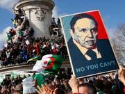 Der algerische Präsident Bouteflika tritt nach wochenlangen Protesten nicht für eine fünfte Amtszeit an. (Bild vom 10. März) (Bild: KEYSTONE/AP/FRANCOIS MORI)
