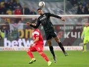 Frankfurts Sébastien Haller erzielte in der Nachspielzeit seine Saisontore 13 und 14 (Bild: KEYSTONE/EPA/ARMANDO BABANI)