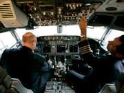 Software-Update nach zwei rätselhaften Abstürzen geplant: Der Flugzeugbauer Boeing will die Bordcomputer seiner Maschinen des Typs 737 MAX mit einem verbesserten Programm versehen. (Bild: KEYSTONE/AP/Donna McWilliam)