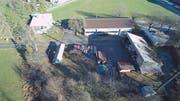 Das Wohnhaus (oben links) bleibt bestehen, der Werkhof der Ortsgemeinde Buchs hingegen wird abgerissen und neu gebaut. (Bild: PD)