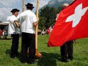 Tradition soll nicht festgeschrieben werden: Die Schweizer Nationalhymne bekommt kein eigenes Gesetz. (Bild: KEYSTONE/STEFFEN SCHMIDT)