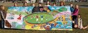 Kunst verbindet: Schülerinnen und Schüler der Scuola Vivante präsentieren ihren Projektbeitrag. (Bild: PD)