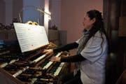 Auch Organistin Heidi Preisig umrahmte den Konzertabend in der Klosterkirche in Neu St.Johann. (Bild: Corinne Bischof)
