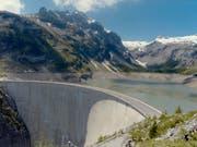 Das Parlament hat entschieden, den maximalen Wasserzins bei 110 Franken zu belassen. (Bild: KEYSTONE/STR)
