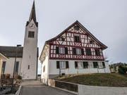 Das katholische Pfarrhaus im alten Aadorfer Dorfkern. (Bilder: Kurt Lichtensteiger)