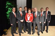 Der Verwaltungsrat und die Bankleitung der Raiffeisenbank Urner Oberland. (Bild: PD)