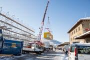 Zwei der Holzmodule auf dem Güterbahnhof-Areal stehen für das Förderprogramm zur Verfügung. (Bild: Mareycke Frehner)