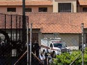 Zwei vermummte Jugendliche hatten die Schule in der Nähe von Sao Paulo gestürmt. (Bild: KEYSTONE/EPA/SEBASTIAO MOREIRA)