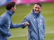 Niko Kovac hat gut lachen: Die Stimmungslage bei Bayern München hat in den letzten Wochen komplett gedreht (Bild: KEYSTONE/AP/MATTHIAS SCHRADER)