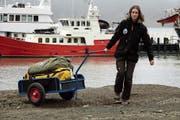 Die Reise ist zu Ende: Janine Wetter verlässt das Expeditionsschiff auf Spitzbergen. (Bild: PD)