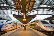 Der kluge Parlamentarier soll im Zug fahren. (Bild: Getty)